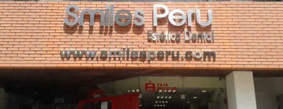 Smiles-Peru-Lima-Dentist-Sign